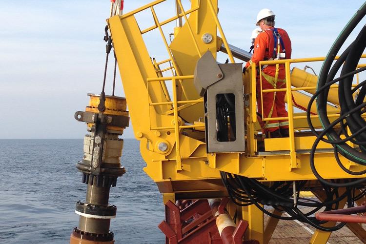 Hibernia/Hebron SAL Offshore Loading System